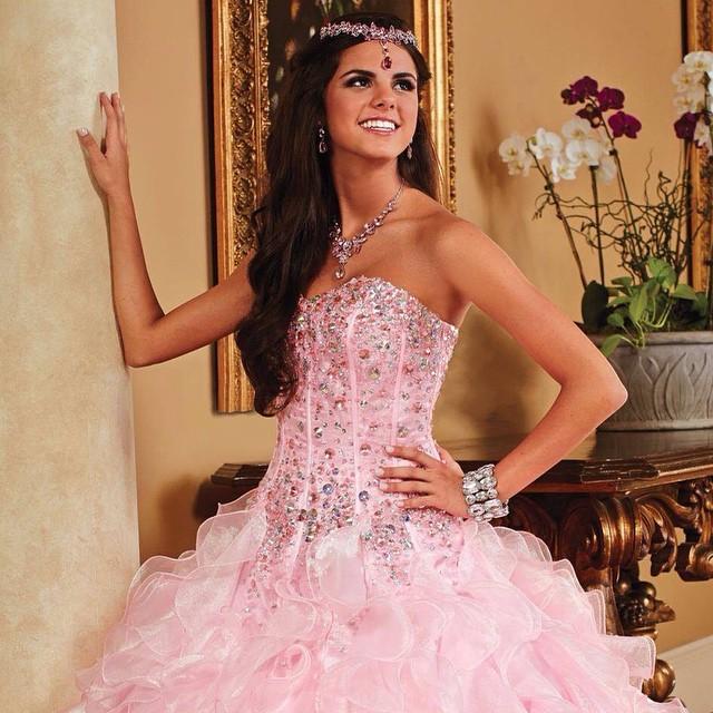 Lindas, o que vocês acham deste vestido? #dress #vestido #15anos #pink