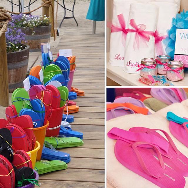 O verão está chegando! Festa na Piscina (Pool Party) dicas fresquinhas lá no blog! Confira www.debuteen.com.br #debuteenblog #verão #suer #party #chinelos #piscina #festa #pool